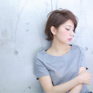 フェミニン ショートバング ボブ 透明感 ヘアスタイルや髪型の写真・画像