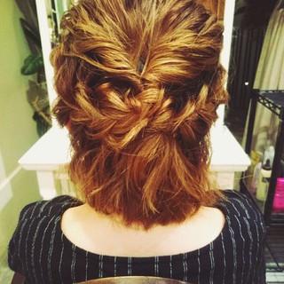 大人女子 ショート 簡単ヘアアレンジ ハイトーン ヘアスタイルや髪型の写真・画像