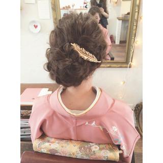 波ウェーブ 着物 ゆるふわ グレージュ ヘアスタイルや髪型の写真・画像