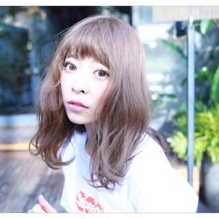 ヘアアレンジ ストリート 前髪あり セミロング ヘアスタイルや髪型の写真・画像