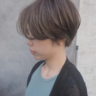 ショート モード ハイライト ブリーチ ヘアスタイルや髪型の写真・画像