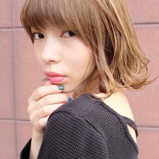 ショート 色気 アッシュ ハイトーン ヘアスタイルや髪型の写真・画像