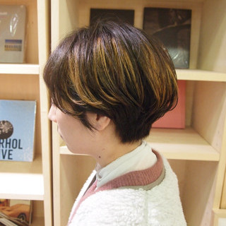 インナーカラー ハンサムショート ショートヘア モード ヘアスタイルや髪型の写真・画像