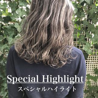 透明感カラー ミディアム ヘアカラー グラデーションカラー ヘアスタイルや髪型の写真・画像