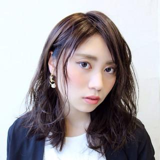 ミディアム かっこいい 冬 暗髪 ヘアスタイルや髪型の写真・画像