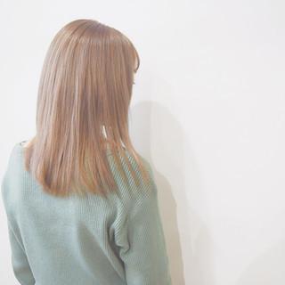 ブラウンベージュ ナチュラル ミルクティーベージュ セミロング ヘアスタイルや髪型の写真・画像