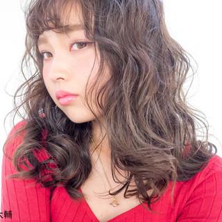 ウェットヘア アッシュ 外国人風カラー ミディアム ヘアスタイルや髪型の写真・画像