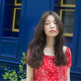 ロング ストリート 外国人風カラー スモーキーアッシュ ヘアスタイルや髪型の写真・画像