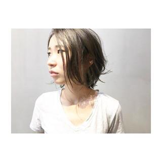 前髪あり 抜け感 デート ネイビーアッシュ ヘアスタイルや髪型の写真・画像 ヘアスタイルや髪型の写真・画像