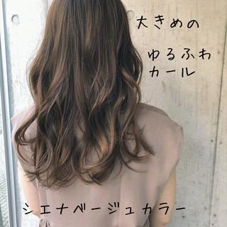 ミディアム デジタルパーマ アッシュベージュ アンニュイほつれヘア ヘアスタイルや髪型の写真・画像