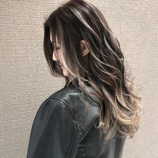 ミディアム ストリート 外国人風カラー バレイヤージュ ヘアスタイルや髪型の写真・画像