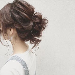 ナチュラル セミロング ヘアアレンジ 大人かわいい ヘアスタイルや髪型の写真・画像