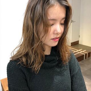 無造作パーマ 外国人風 ゆるふわパーマ パーマ ヘアスタイルや髪型の写真・画像