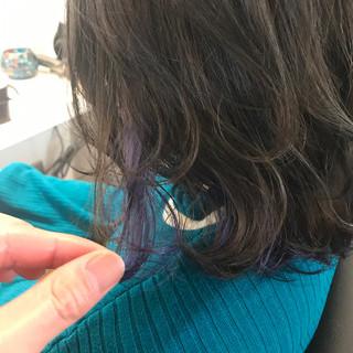 グレージュ 透明感 インナーカラー ミディアム ヘアスタイルや髪型の写真・画像