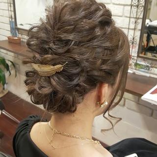セミロング 外国人風 ヘアアレンジ 大人かわいい ヘアスタイルや髪型の写真・画像