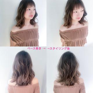 フェミニン デート アッシュ ミディアム ヘアスタイルや髪型の写真・画像