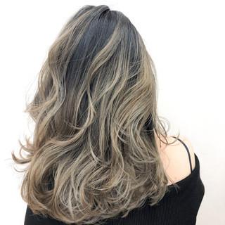 バレイヤージュ フェミニン ハイトーンカラー ゆるふわ ヘアスタイルや髪型の写真・画像