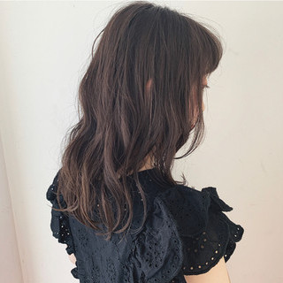 暗髪 透け感 アディクシーカラー セミロング ヘアスタイルや髪型の写真・画像