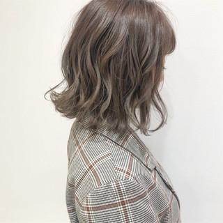 デート フェミニン パーマ オフィス ヘアスタイルや髪型の写真・画像