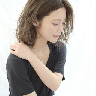 ミディアム 大人かわいい 外国人風 フェミニン ヘアスタイルや髪型の写真・画像
