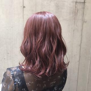 ラベンダーピンク ピンク ベリーピンク ミディアム ヘアスタイルや髪型の写真・画像