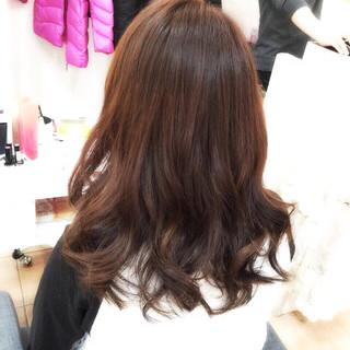 セミロング ゆるふわ ガーリー フェミニン ヘアスタイルや髪型の写真・画像