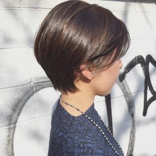 ストリート 似合わせ かき上げ前髪 耳かけ ヘアスタイルや髪型の写真・画像 ヘアスタイルや髪型の写真・画像