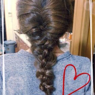 編み込み ヘアアレンジ フィッシュボーン 四つ編み ヘアスタイルや髪型の写真・画像