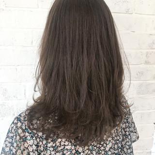 レイヤーカット 抜け感 ブラウンベージュ デート ヘアスタイルや髪型の写真・画像 ヘアスタイルや髪型の写真・画像