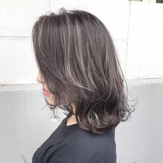 ミルクティー ボブ ミディアム ハイライト ヘアスタイルや髪型の写真・画像