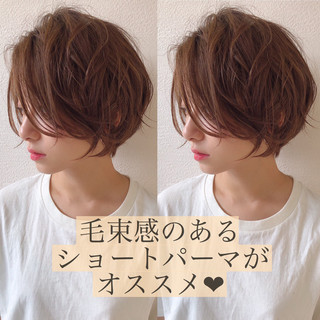 フェミニン ショート マッシュショート ハンサムショート ヘアスタイルや髪型の写真・画像