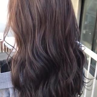 ロング アッシュグレー ラベンダー グレージュ ヘアスタイルや髪型の写真・画像