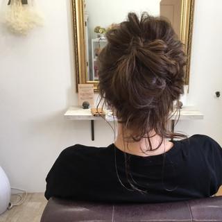 後れ毛 ヘアアレンジ アッシュベージュ ミディアム ヘアスタイルや髪型の写真・画像