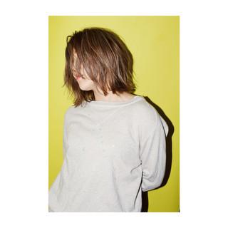 ロブ アンニュイ ミディアム 外国人風 ヘアスタイルや髪型の写真・画像