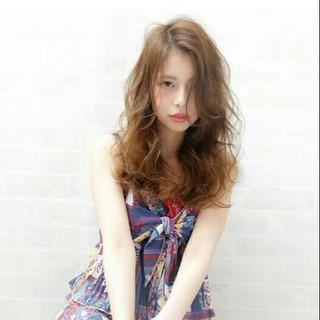 ガーリー セミロング フェミニン 大人かわいい ヘアスタイルや髪型の写真・画像