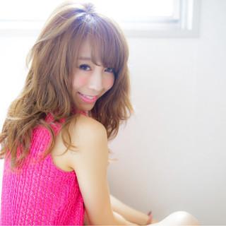 大人かわいい ハイライト くせ毛風 セミロング ヘアスタイルや髪型の写真・画像