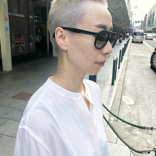 ホワイトカラー 坊主 ショート モード ヘアスタイルや髪型の写真・画像