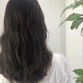 地毛風カラー 大人かわいい 透明感 ダークアッシュ ヘアスタイルや髪型の写真・画像