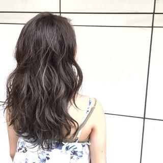 外国人風 ロング ベージュ グラデーションカラー ヘアスタイルや髪型の写真・画像