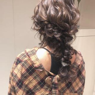 編みおろし ロング ヘアアレンジ デート ヘアスタイルや髪型の写真・画像