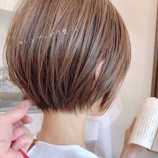 ショートヘア ショートボブ ナチュラル インナーカラー ヘアスタイルや髪型の写真・画像