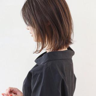 ブラウンベージュ エレガント ボブ インナーカラー ヘアスタイルや髪型の写真・画像