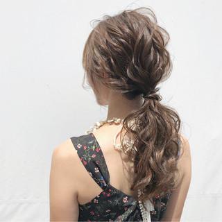 ポニーテール 簡単ヘアアレンジ ヘアアレンジ フェミニン ヘアスタイルや髪型の写真・画像