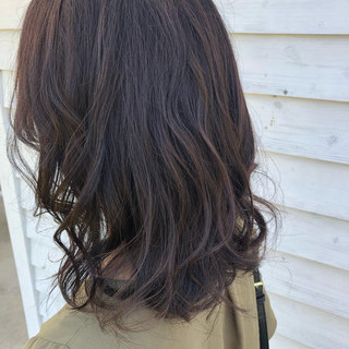 ナチュラル セミロング グレージュ アッシュグレージュ ヘアスタイルや髪型の写真・画像