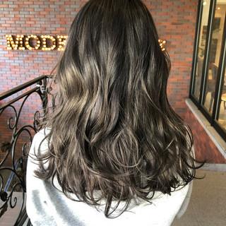 グラデーションカラー ストリート 暗髪 外国人風カラー ヘアスタイルや髪型の写真・画像
