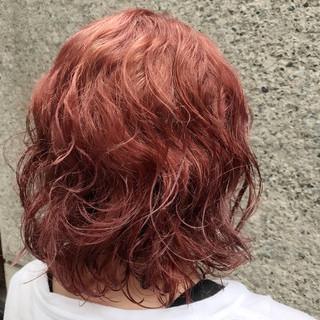 ピンク ベージュ ダブルカラー ボブ ヘアスタイルや髪型の写真・画像