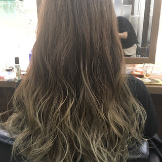 ブラウン アッシュ 外国人風 ロング ヘアスタイルや髪型の写真・画像
