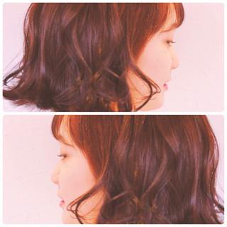 ベリーピンク 透明感カラー ゆるふわセット デート ヘアスタイルや髪型の写真・画像