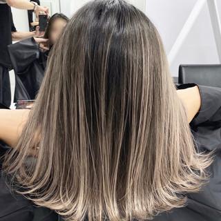 ホワイトベージュ ミルクティーベージュ ホワイトカラー ストリート ヘアスタイルや髪型の写真・画像