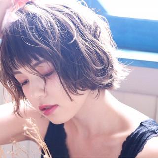 女子力 ショート ウェーブ ショートボブ ヘアスタイルや髪型の写真・画像